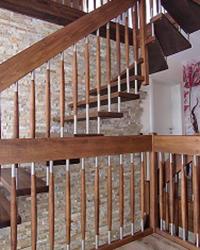 10gj Freitragende Treppe Massivholzbuche geoelt