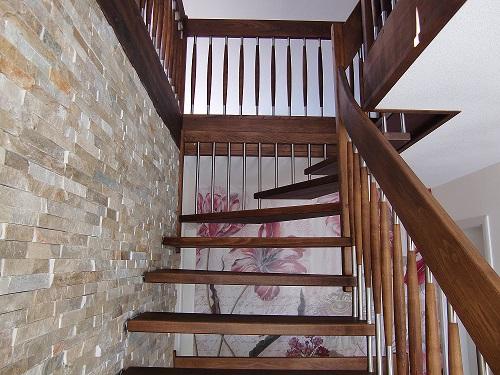 124 Freitragende Treppe Massivholzbuche geoelt
