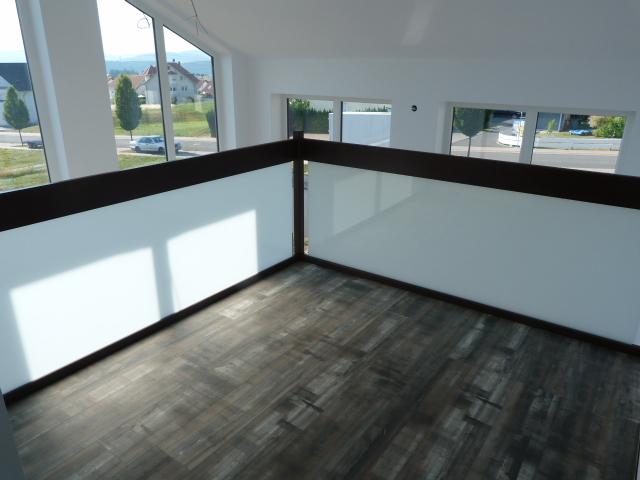 196 Glasgeländer im Obergeschoss