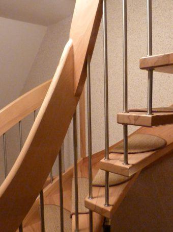 116 WangenBolzen Treppe Massivkernbuche
